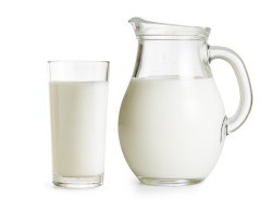 Нужно молоко взрослым людям?