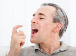 Полоскание полости рта настоем из мелиссы лимонной