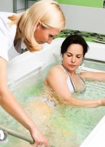 Массаж и ванны при варикозе