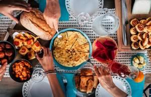 Пищеварение в желудке: как он справляется с обработкой пищи?